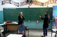 Dep Adriana fiscaliza escolas