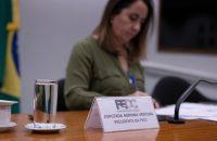 Adriana presidindo a FECC